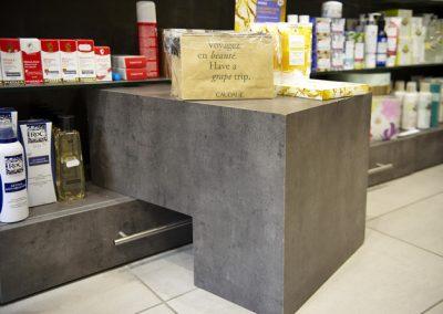 pharmacie Kleber Paris 16- agencement Viana Menuiserie